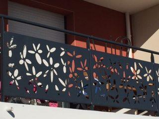 imprejmuire balcon cu panouri decor vopsite negru Ral 9005