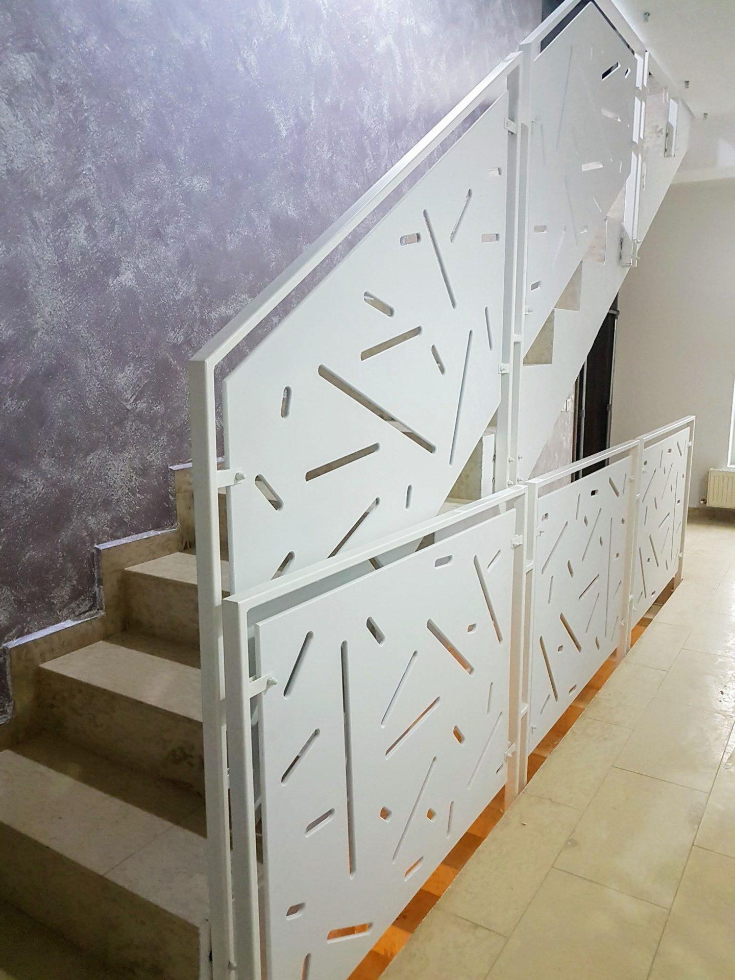balustrada interioara scara casa dana