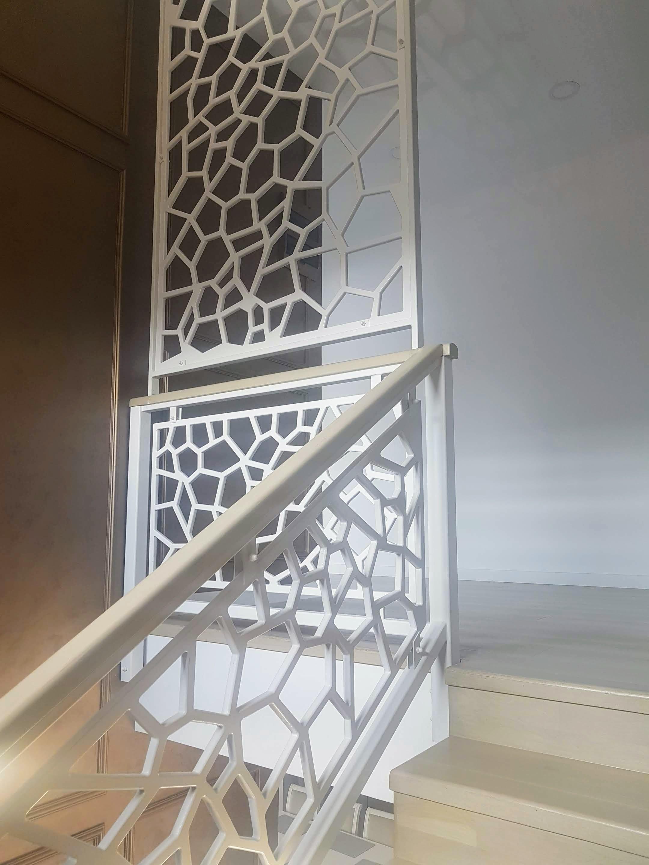 balustrada scara interioara panouri traforate mdf