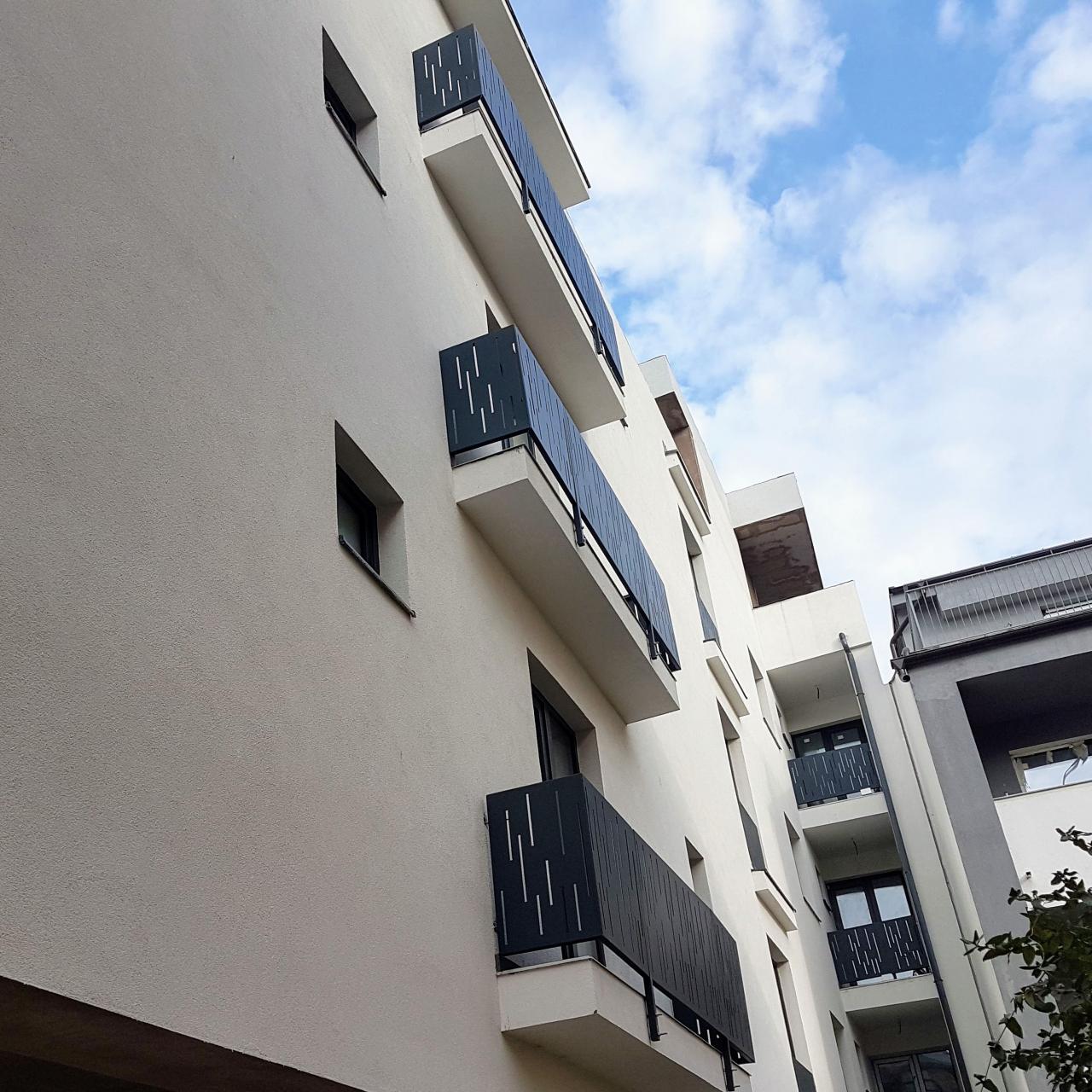 balustrade balcoane terase constructie rezidentiala cu etaj