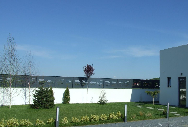 gard beton panouri metalice curte