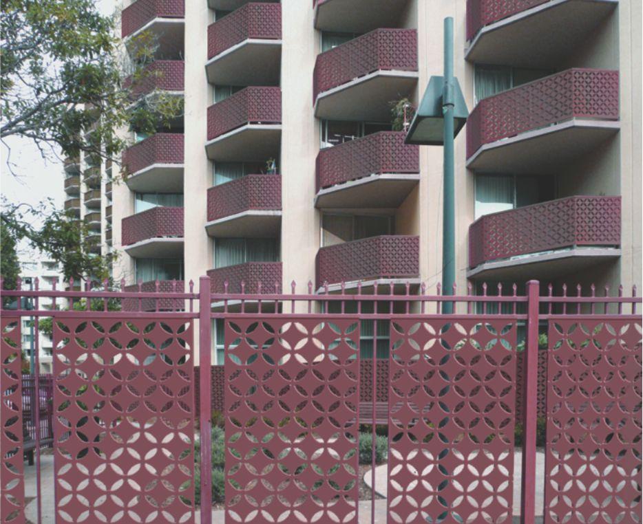 gard modern metalic balcoane vopsite