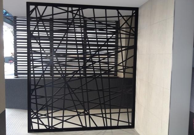 paravan decorativ despartitor perete metalic