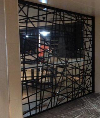 Design interior paravan, perete, element metalic vopsit in camp electrostatic