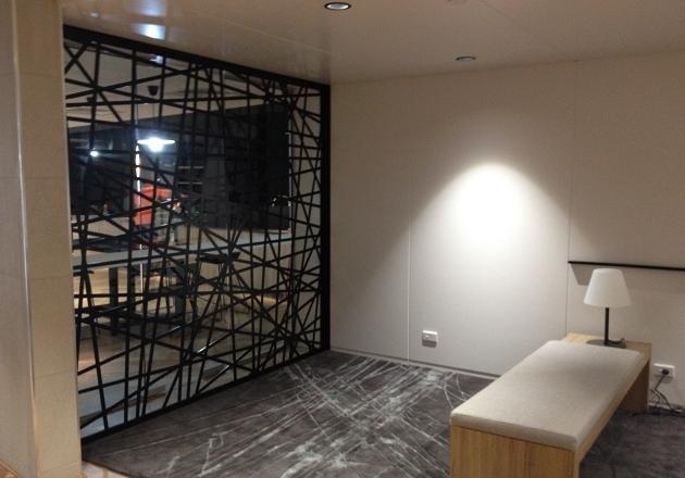 Paravan perete metalic interior design