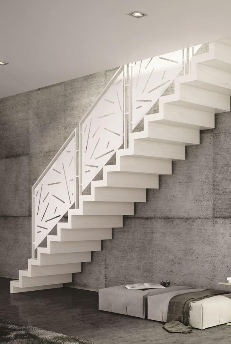 scara interioara alba design contemporan trepte masive si balustrada cu mana curenta