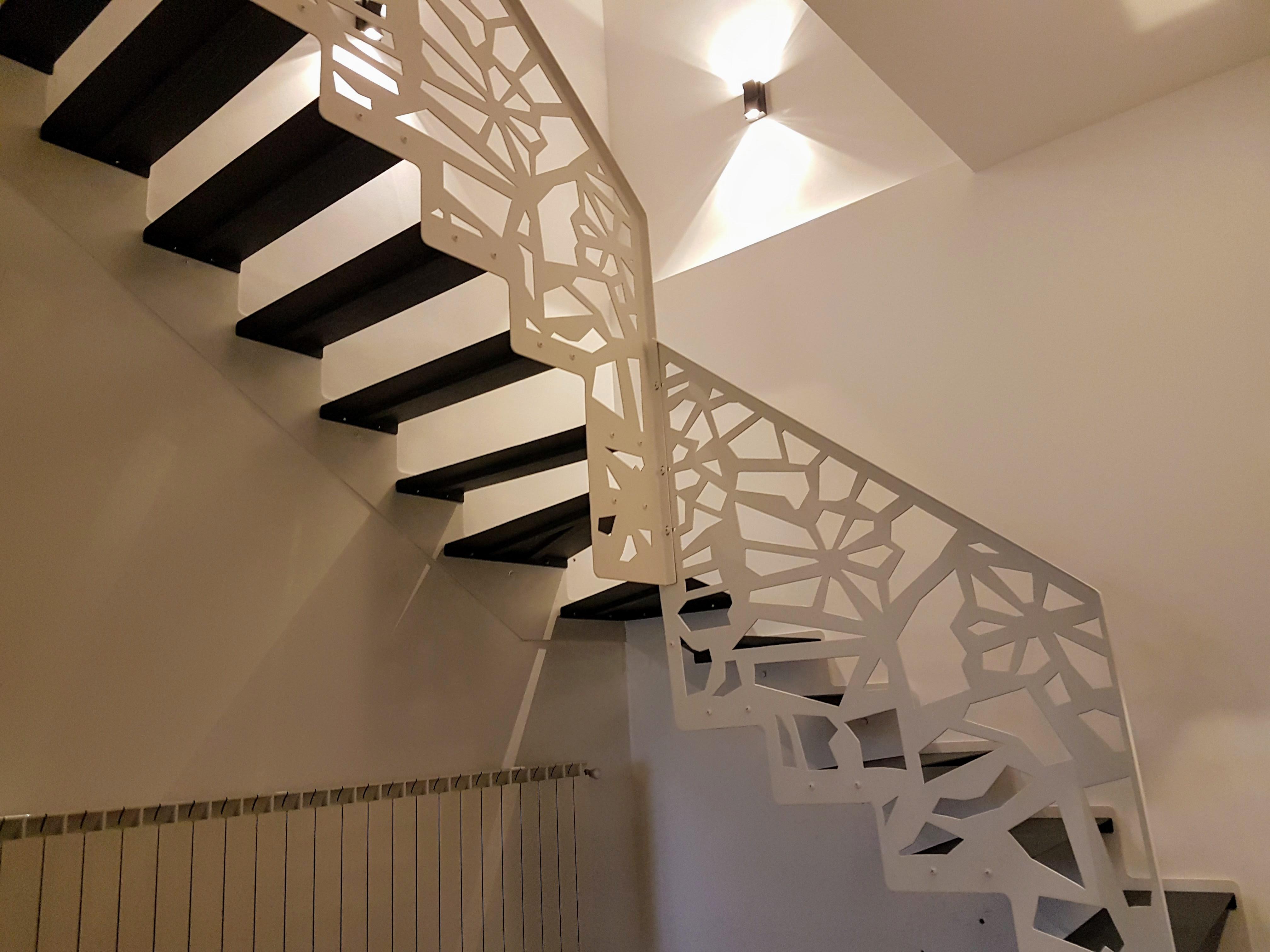 scara interioara turnanta rampa balustrada
