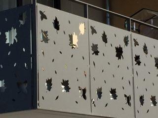 panouri metalice decorative vopsite balcon