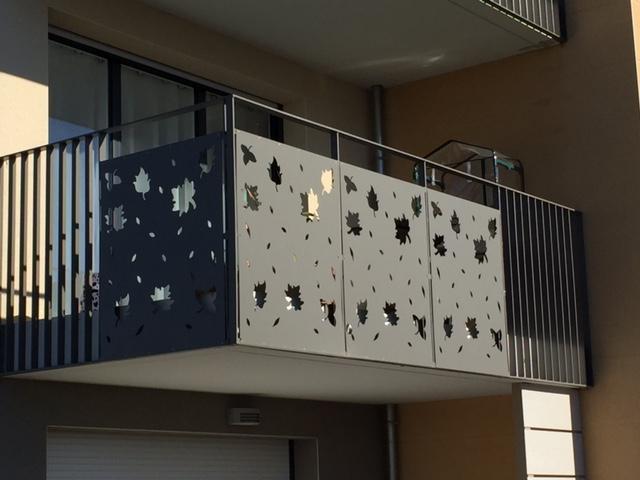terasa balcon balustrada metalica vopsita electrostatic. Black Bedroom Furniture Sets. Home Design Ideas