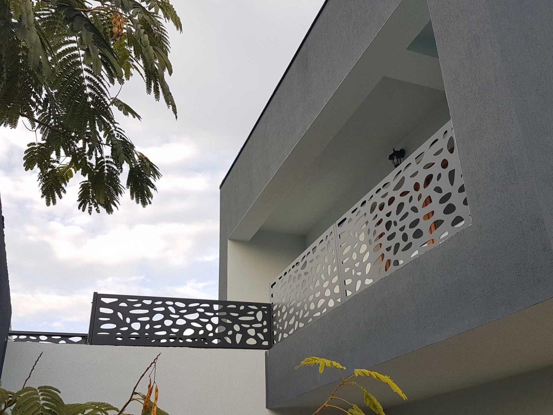 balustrada terasa panouri metalice traforate